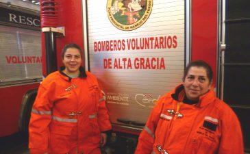 Mujeres bomberos, una vocación que no entiende de géneros