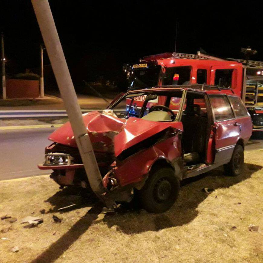 Grave accidente en la rotonda Fangio